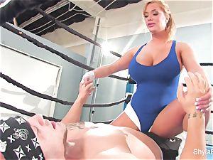 chesty blonde Shyla Stylez does some gonzo instructing