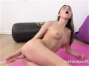 raw juicy pussy with yoga honey Gina Gerson