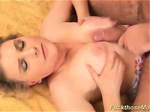 round fur covered mommy gets insatiable banged