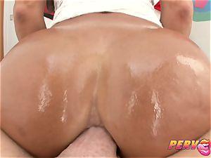 PervCity Lisa Ann Oily Ass-Fucking
