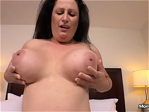 giant all-natural bumpers milf gets hardcore romping