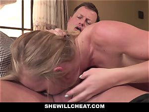 SheWillCheat - Squirty wife Gets Slayed By Internet fellow