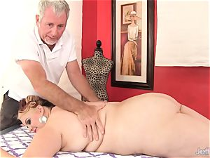 plus-size chesty Bella gets a orgy massage