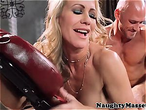 cougar Simone massage-fucked by Johnny Sins