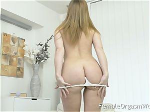 Mature mummy jerks Her unshaved cunt to orgasm