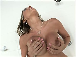 whorish platinum-blonde Courney Cummz wants to spunk all by herself so she wedges herself
