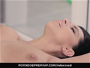 RELAXXXED - Kira princess titjob and super-fucking-hot ravage at the gym