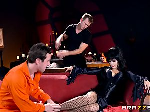 MMF boning for gothic stunner Katrina Jade