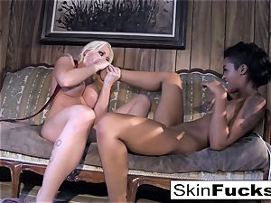 Skin's g/g Dr. Who buttfuck with Leya