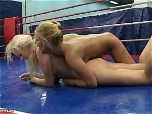 Linda Ray bare sitting on sex-positive babe's face