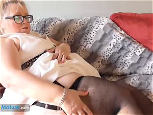 EUROPEMATURE yam-sized super-sexy gal Lexie solo