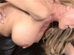 Stepmom Brandi love tempts her stepson