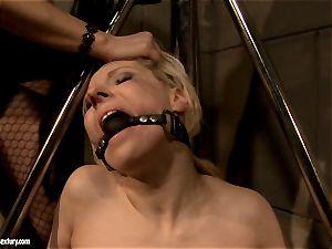 Katy Borman gets a super-fucking-hot babe stinging a ball