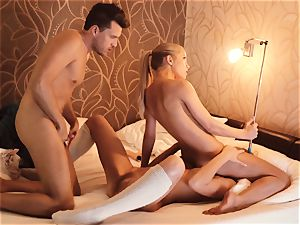 Los Consoladores - FFM cuckold action with Russian babe