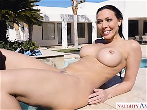 Rachel Starr juggles her wet muff on Johnnys firm chisel
