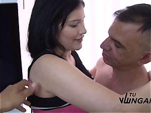 Tu Venganza - super-fucking-hot MMF vengeance shag with huge-boobed Latina