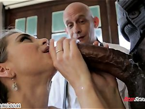 father looks like his daughter Riley Reid becomes an adult and gets splashing