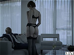 VIXEN luxurious red-haired Bree Daniels poked By Sugar dad