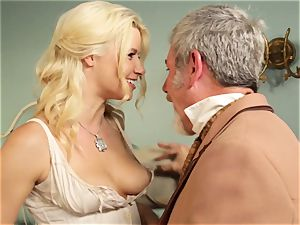 molten call girl Anikka Albrite boinks her favourite crazy west customer