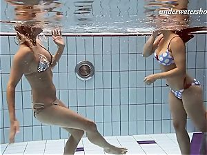 Iva and Paulinka huge funbags teenis in the pool