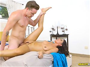 mischievous real estate agent Sophia Leone sticks a customers cock in her gullet