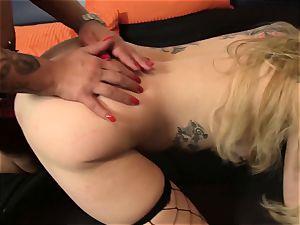 ReifeSwinger - FFM 3 way for German tattooed babes