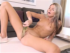 Finger romping Gina Gerson With fucktoy