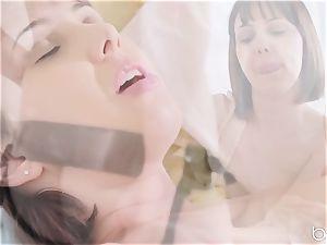 scorching minge lovinТ lesbos Jenna Sativa and Olive Glass