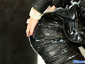Bigbooty gloryhole twerker frosted in bukakke