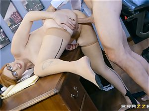 wood hungry Lauren Phillips pulverized in her ginger cootchie