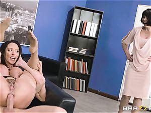 butt boinking mummy Ariella Ferrera in the office