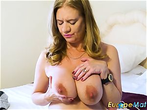 EuropeMaturE steaming Lusty Mature frolicking with fucktoys