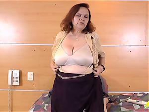 LATINCHILI grannie Gloria milking latin fuckbox