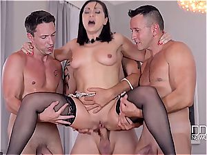 Lea Lexus gets all her holes filled with stud meat