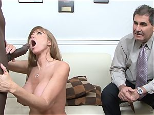 Darla Crane pulverizes black spear before her husband cleans up